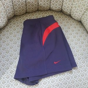NIKE Dri Fit shorts gray/red Wmns small